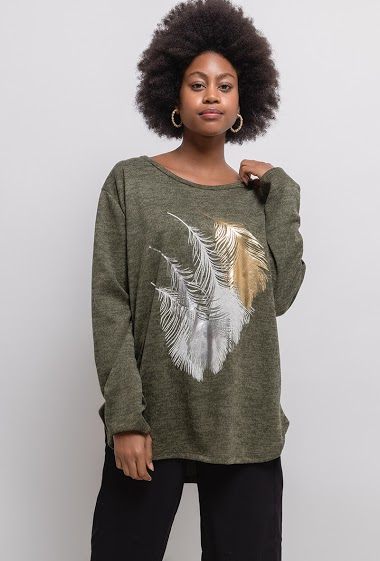 Sweater with printed feathers. The model measures 174cm, one size corresponds to 14/16(UK) 42/44(FR). Length:78cm