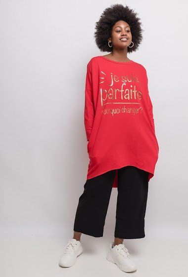 Tunic with printed message The model measures 174cm, one size corresponds to 10/12(UK) 38/40(FR). Length:92cm