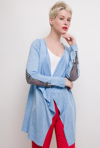 Open cardigan with elbow patch. The model measures 172cm and wears M/L. Length:75cm