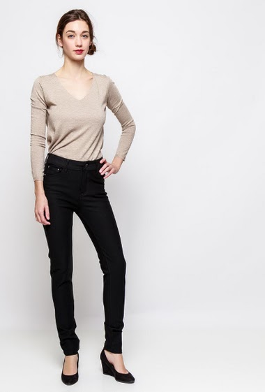 Stretch pants, skinny fit. The model measures 177cm and wears T38 - Brand SOO - T0/XS/36 - T1/S/38 - T2/M/40 - T3/L/42 - T4/XL/44
