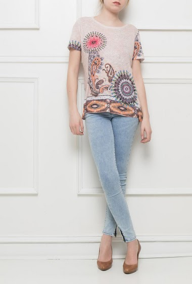 Printed t-shirt, short sleeves, print decorated with strass, back with lace