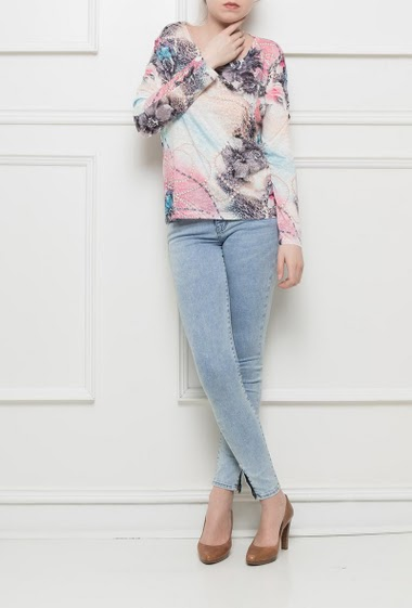 Printed t-shirt, long sleeves, print decorated with strass, back with lace