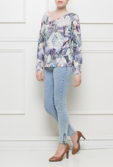 Printed t-shirt, lace long sleeves, print decorated with strass