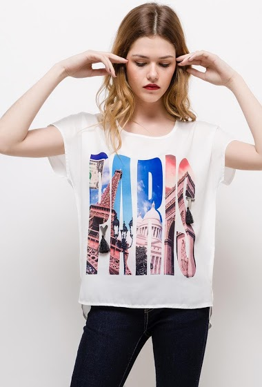 T-shirt with print, short sleeves. The model measures 171cm and wears S/M. Length:60cm