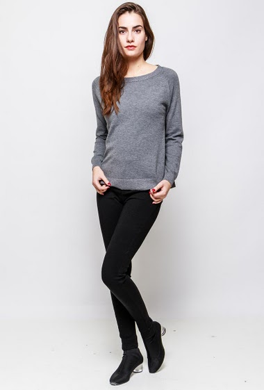 Knitted sweater, lurex border, regular fit. The model measures 172cm and wears S/M