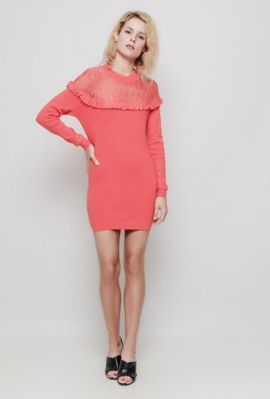Knitted dress, long sleeves, lace yoke, possibility to wear like a tunic. The mannequin measures 177 cm, TU corresponds to 38/40 - Brand: LAETITIA MEM