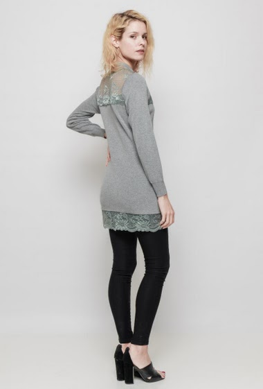 Knitted tunic, lace yoke, funnel neck. The mannequin measures 177 cm, TU corresponds to 38/40 - Brand: LAETITIA MEM