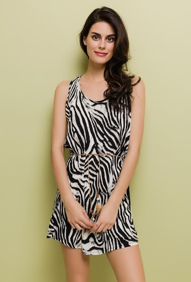 Sleeveless dress. The model measures 176cm and wears S/M. Length:85cm