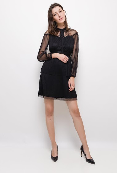 Long sleeves plumetis dress