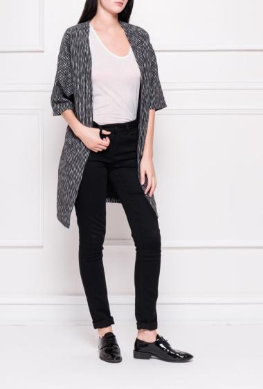 Open cardigan in striped knit and short sleeves