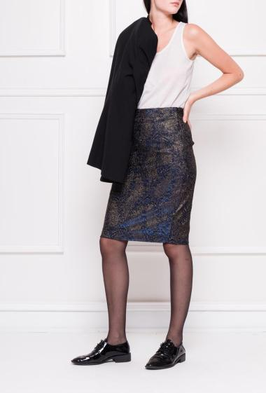 Midi skirt in gold jacquard
