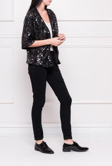 Open jacket decorated with sequins, short sleeves