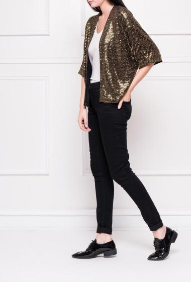 Open jacket decorated with gold strass, short sleeves