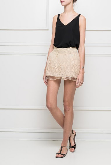 Shorts skirt with embroideries, elastic waist