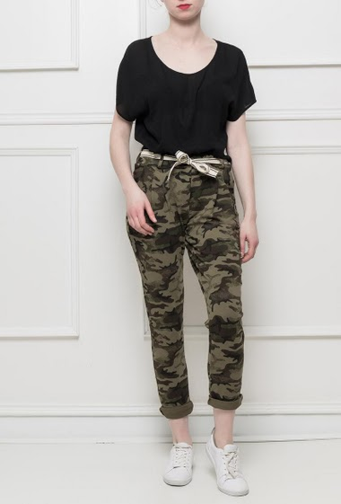 Fleece trousers with military pattern, pockets, belt, elastic waist, casual fit, comfortable and stretch fabric - sportswear style