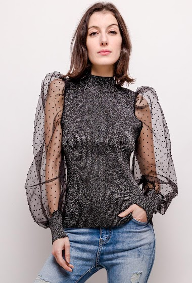 Iridescent sweater, transparente sleeves. The model measures 178cm and wears M/L. Length:57cm