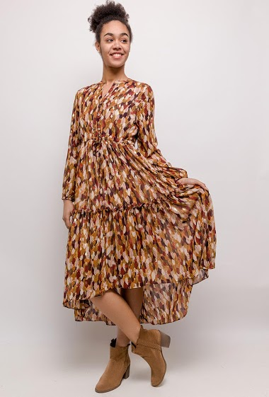 Midi dress with asymmetric hem, belt. The model measures 175cm and wears S. Length:124cm