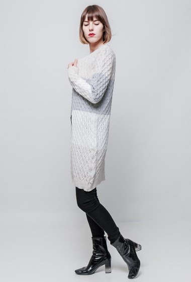 Open cardigan, twisted knit, tricolour stripes, casual fit. The model measures 177cm and wears One size=36/40