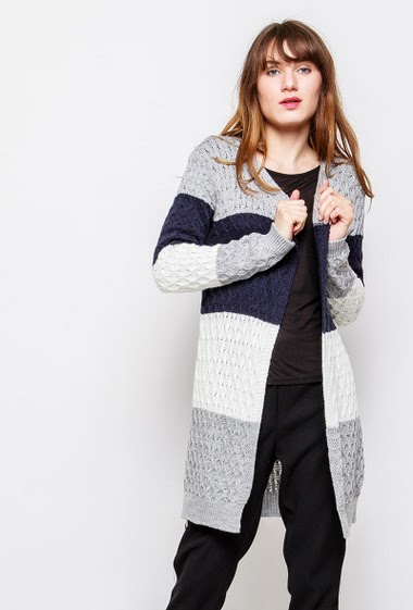 Open cardigan, colorful stripes, long and regular fit. The model measures 178cm, one size corresponds to 38-40