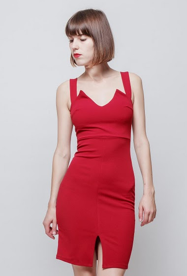 Fitted dress, straps, stretch fabric, zip back closure. The model measures 172cm, one size corresponds to 36/38