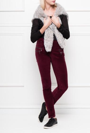 Pantalon droite avec double zip sur le devant