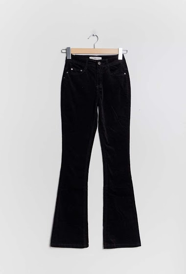 Flared pants. The model measures 171cm and wears S