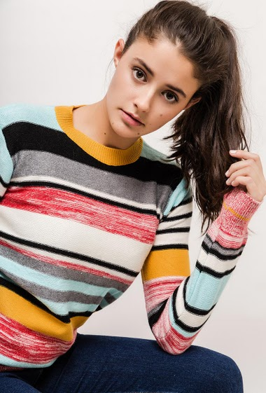 Striped sweater. The model measures 172cm and wears S/M. Length:60cm