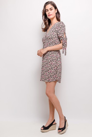 Dress with knot short sleeves