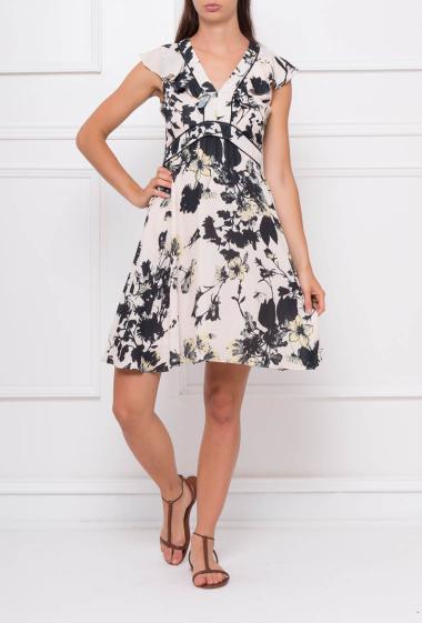 Ruffled sleeveless dress with zip on the back