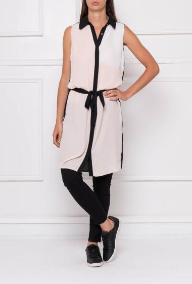 Long sleeveless shirt in net with fancy collar