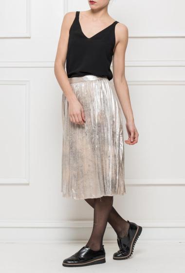 Jupe mi-longue en suédine brillante, zip sur le côté, idéale pour les fêtes