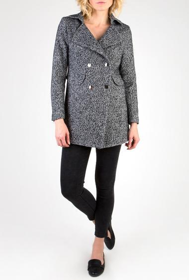 Manteau gris chiné à pressions argent.