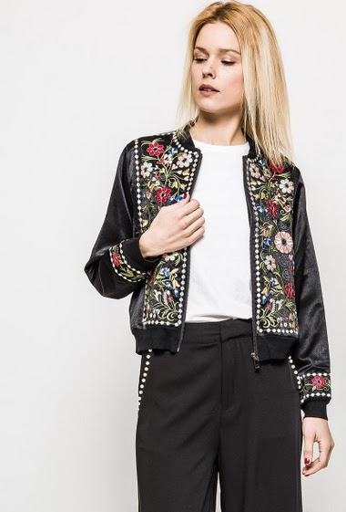 Embroidered satin bomber, zip closure. The model measures 177cm and wears M. Length:58cm