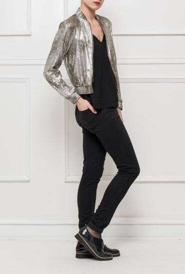Zipped jacket in iridescent suede, pockets, perfect for parties