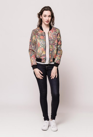 Printed casual jacket, contrasting border. The model measures 177cm and wears S