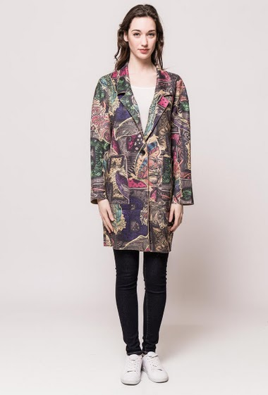 Patterned jacket, peach skin touch, regular fit, pockets. The model measures 177cm and wears S