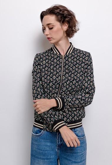 Bomber jacket,La mannequin mesure 177cm and wears S. Length:60cm