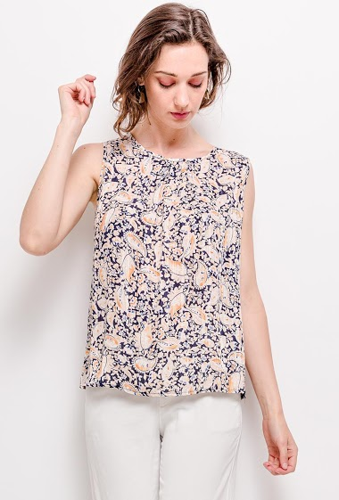 Printed tank top. The model measures 177cm and wears S. Length: 62cm