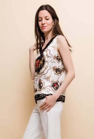 The model measures 177cm and wears S. Length:63cm