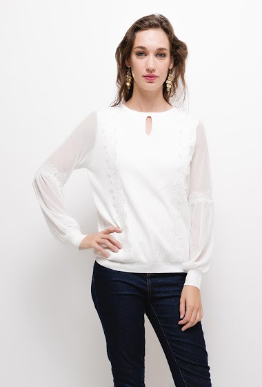 Bi-material blouse with embroideries, The model measures 177cm, one size corresponds to 10/12(UK) 38/40(FR). Length:60cm