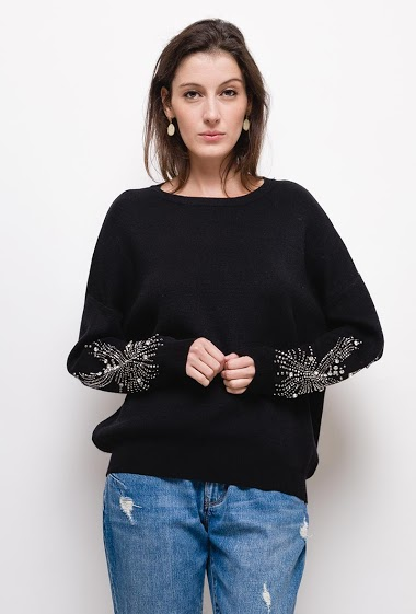 Sweater with rhinestones and pearls,The model measures 178cm, one size corresponds to 10/12(UK) 38/40(FR). Length:65cm
