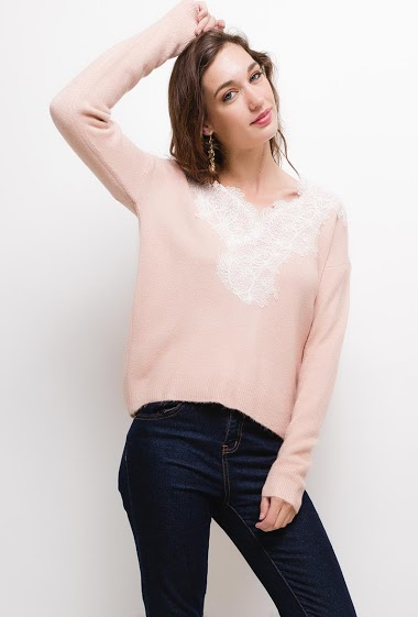 Soft sweater with embroideries, The model measures 177cm, one size corresponds to 10/12(UK) 38/40(FR). Length:60cm