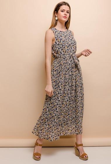 Robe à imprimé fleurs. La mannequin mesure 171cm et porte du S. Longueur:136cm