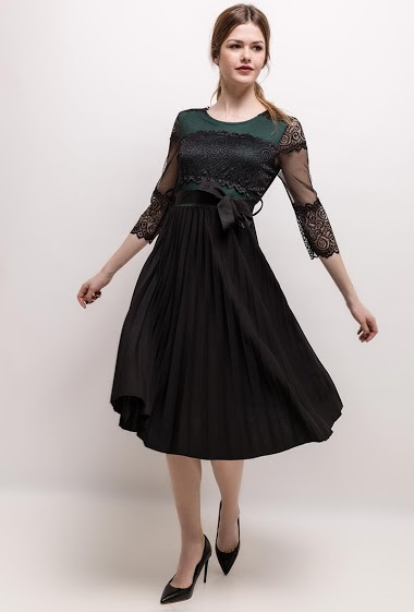 Midi pleated dress with lace