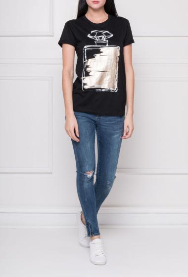 T-shirt in cotton with print on the front