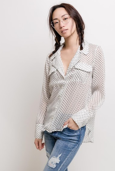 Transparent shirt. The model measures 170cm and wears S. Length:70cm