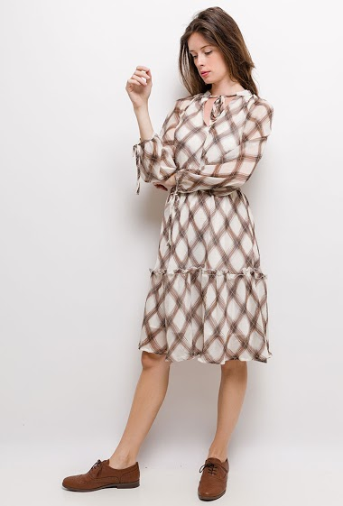 Printed dress, elastic waist, long sleeves. The model measures 176cm and wears S. Length:100cm