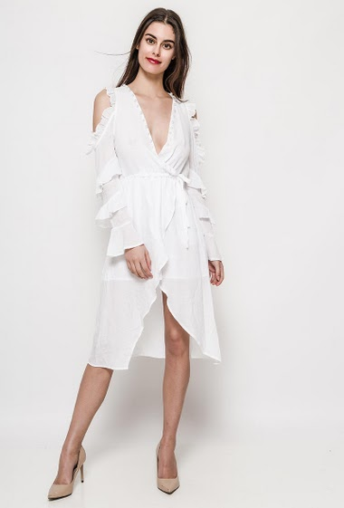 Robe à épaules dénudées, poches latérales, volants, coupe croisée, tissu léger. La mannequin mesure 176cm et porte du S. Longueur:106cm