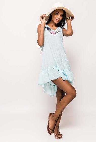 Sleeveless tunic, crochet yoke. The model measures 172cm and wears S/8(UK) 36(FR). Length:90cm