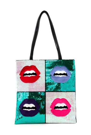 Clutch bag. Width x Length x Height : 34x1x36cm